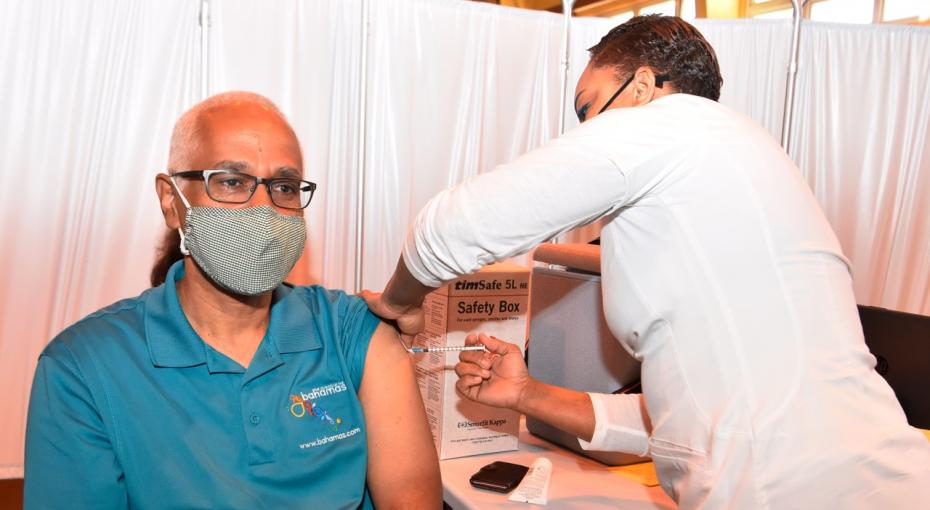 tourism minister received vaccine
